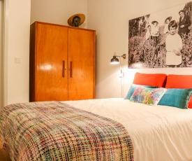 Bluetile Sol Apartment